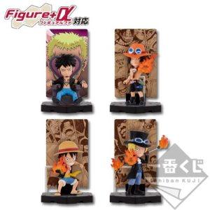 Ichibankuji One Piece Hot Bond E Prize card stand figure