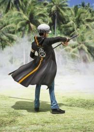 Figuarts Zero One Piece Trafalgar Law -Dressrosa Ver.-_2